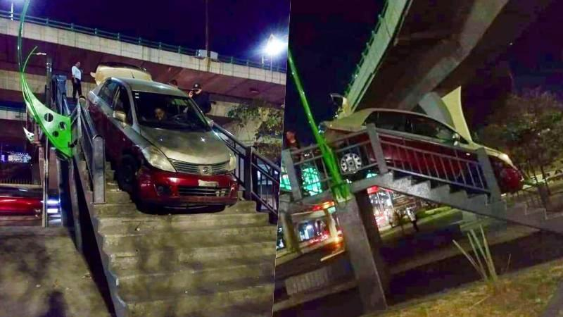 ¡#Increíble! Conductor intenta cruzar puente peatonal y queda atorado (video)